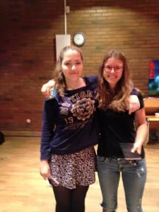 Finalister i Bjärredsskolans poetry slam med vinnaren, Sara Masri, till höger.